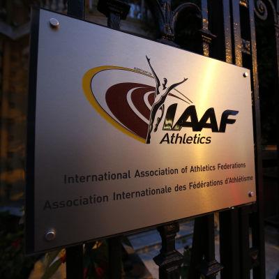 Ryssland accepterar IAAF:s avstängning.