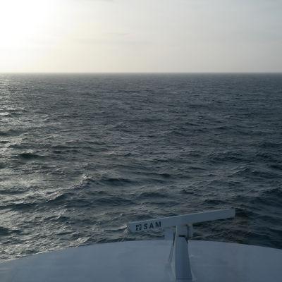Fören av ett fartyg på havet