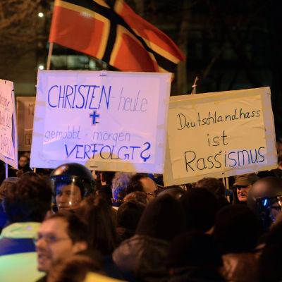 Tyska nationaldemokraterna Pegida demonstrerar