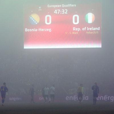 Tät dimma i matchen mellan Bosnien-Hercegovina och Irland.
