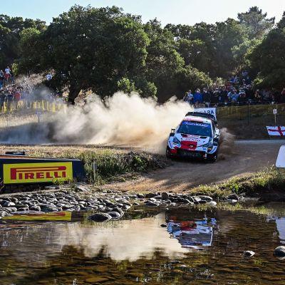 Toyotan Kalle Rovanperä Sardinian MM-rallissa 2021.