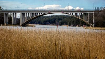 Bron över Hessundet i Pargas