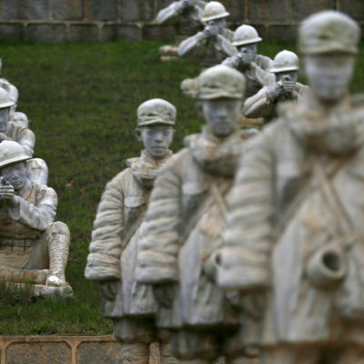 Kinesiskt monument över motståndet mot den japanska invasionen under andra världskriget.