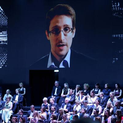 Edward Snowden talade via video under en prisceremoni i maj