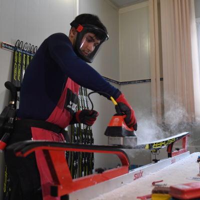Vallning av skidor.