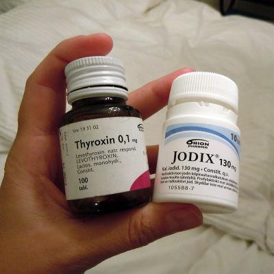 Thyroxin- och Jodix-burkar.