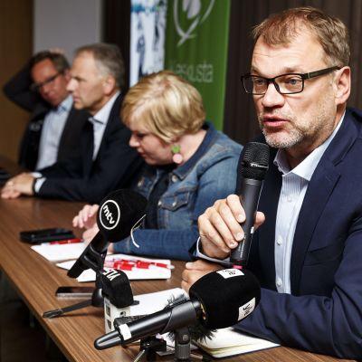 Juha Sipilä och Annika Saarikko på centerns sommarmöte