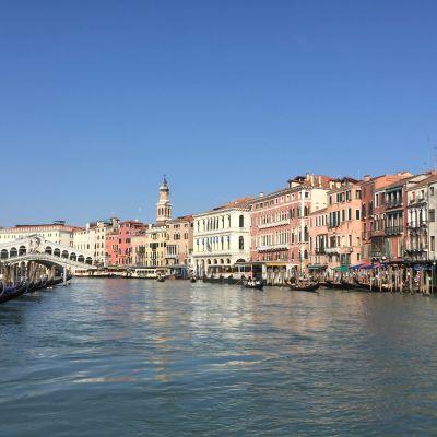 Vy över Canal Grande i Venedig.