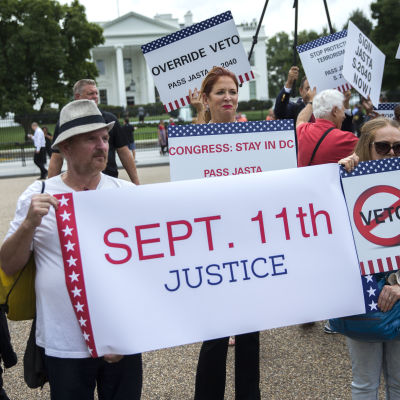 Demonstration utanför Vita Huset.