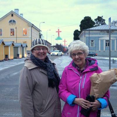 Maila Hägglund och Maj-Britt Jåfs.