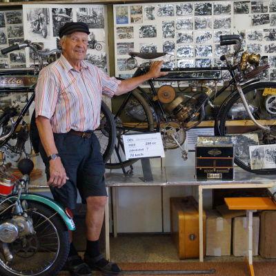 Pelle Lillqvist på Jakobstads motormuseum