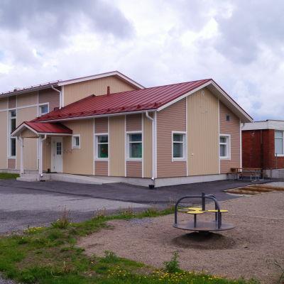Hirvlax skola
