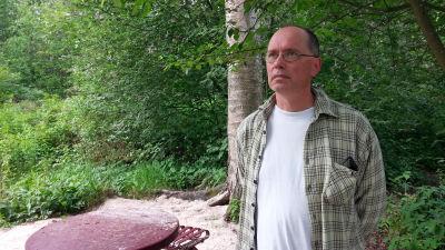 Henrik Alfthan där en basstation ska byggas