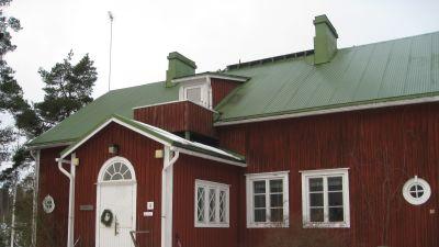 Barösunds gamla skolhus i Ingå skärgård.
