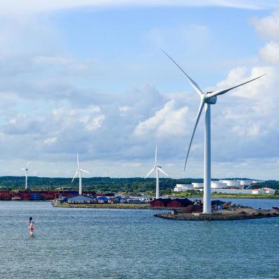 Vindkraftverk utanför Göteborg i Sverige.
