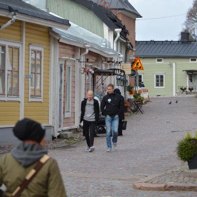 En gata i gamla stan i Borgå