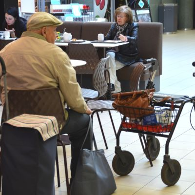 Åldring i ett café