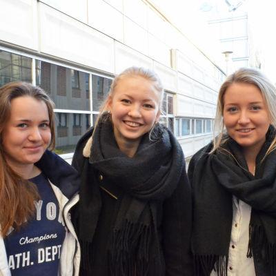 Emma salomäki, Christina Kaski, Ellen Forsell, Unga företagare från Kyrkslätt gymnasium i april 2015