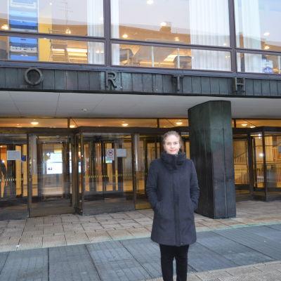 Codex ordförande Karin Cederlöf utanför Porthania den 9 februari 2016.