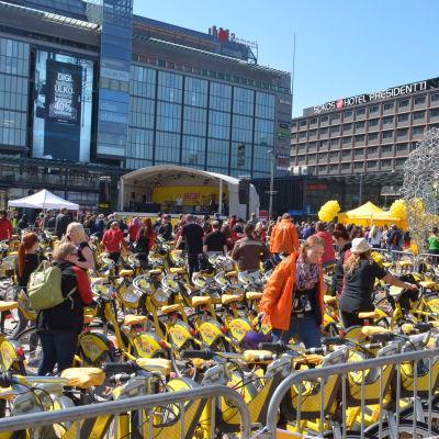 Stadscyklarnas lanseringsevenemang på Narinken 2.5.2016