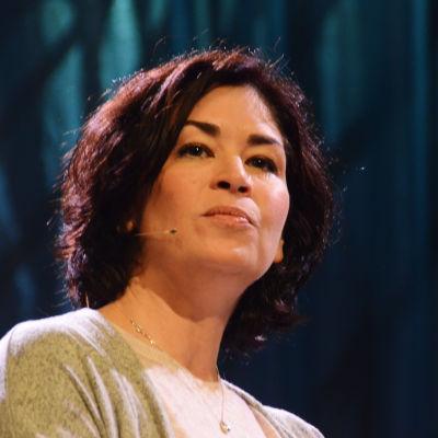 Kirjailija Sadie Jones