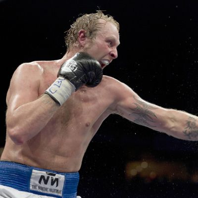 Robert Helenius boxas mot Dereck Chisora, december 2011.