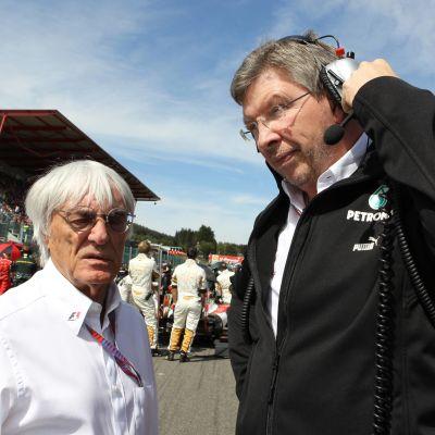 Bernie Ecclestone och Ross Brawn i samspråk