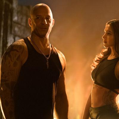 Vin Diesel poserar med vackra Bollywoodstjärnan Deepika Padukone