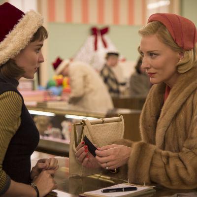Rooney Mara och Cate Blachett i filmen Carol