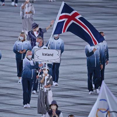 Island på OS-invigningen i Tokyo.