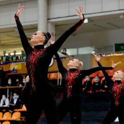 Tampereen Sisun Minetit voitti joukkuevoimistelun SM-kilpailujen naisten finaalin Helsingissä.