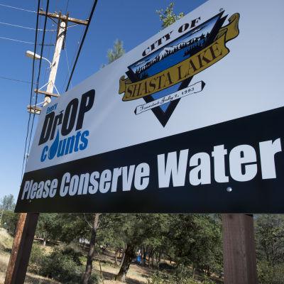 I Kalifornien uppmanas befolkningen spara på vattnet