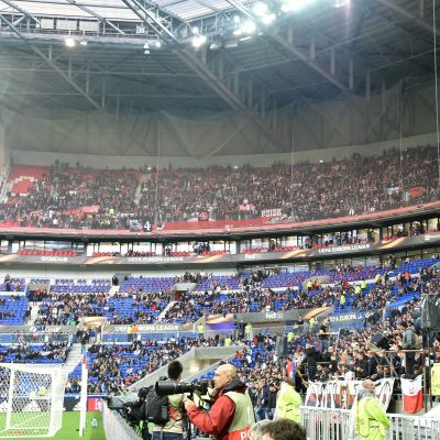 Läktare under matchen Lyon-Ajax.