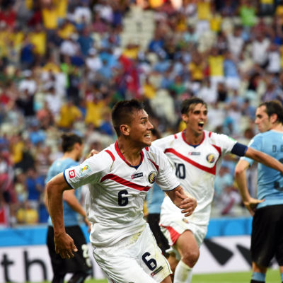 Oscar Duarte firar sitt mål mot Uruguay.
