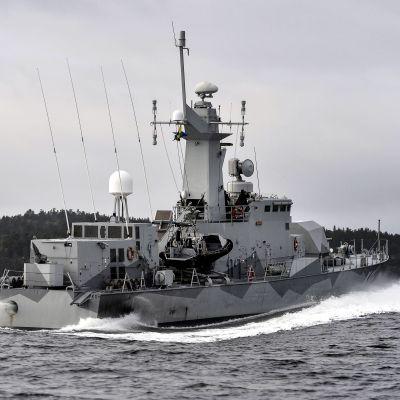 Den svenska försvarsmakten underrättelseoperation i Jungfrufjärden i Stockholms skärgård den 20 oktober 2014 med anledning av misstänkt undervattensverksamhet.