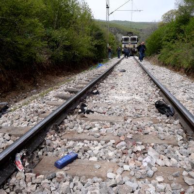 14 flyktingar dog när de blev under ett tåg i Makedonien 24.4.2015