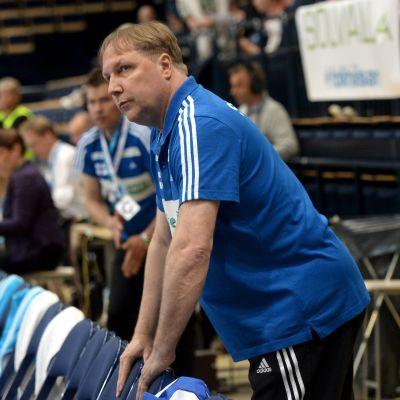 Mikael Källman gjorde sin sista hemmamatch som tränare för Finland.