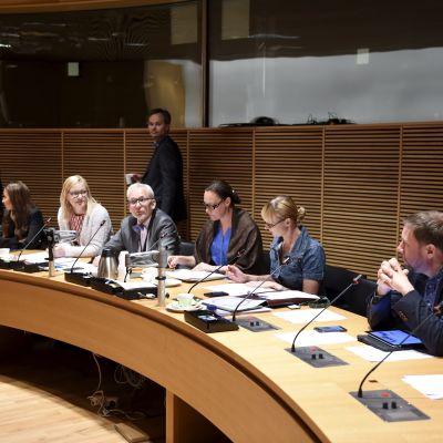 Stora utskottets mötesrum i riksdagen.