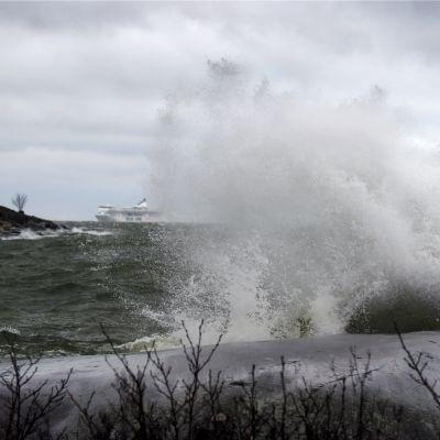 Storm utanför Helsingfors söndagen den 30 november 2015.