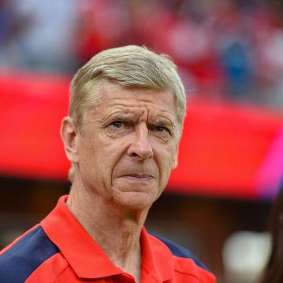 Arsene Wenger tränar fotbollslaget Arsenal.