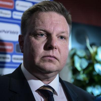 Bild på ishockeyförbundets ordförande Harri Nummela.