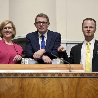Riksdagens talman med sina vice talmän.