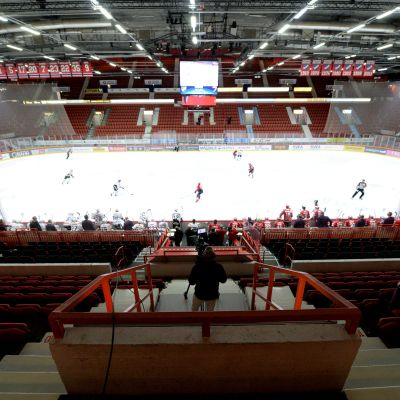 HIFK och JYP gjorde upp i Helsingfors ishall.