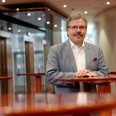Professor Mikael Knip.