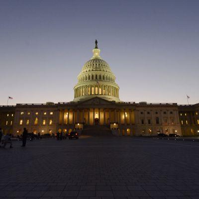 Capitol Hall i USA:s huvudstad Washington kvällen den 30 september 2013