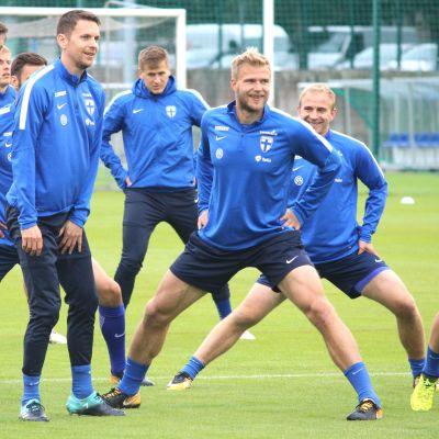 Finlands första träningspass inför VM-kvalmatcherna mot Island och Kosovo.