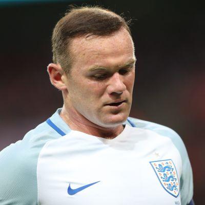 Wayne Rooney är en engelsk fotbollsspelare.