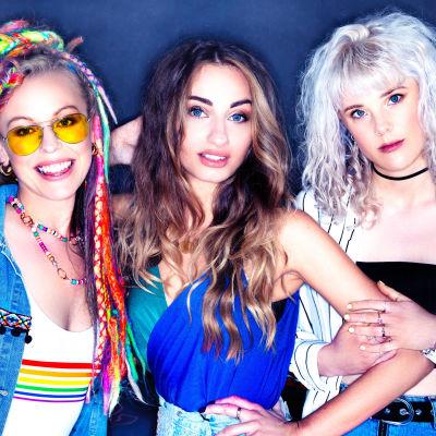Bandet Kings Daughters som trio med Vicky O'Neon till vänster.