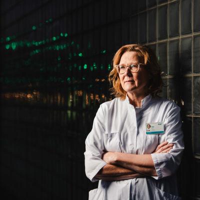 Kuvassa professori Tiina Saarto.