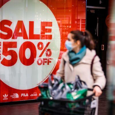 Joulun 2020 alennusmyynnit alkoivat kauppakeskus Mall of Triplassa.